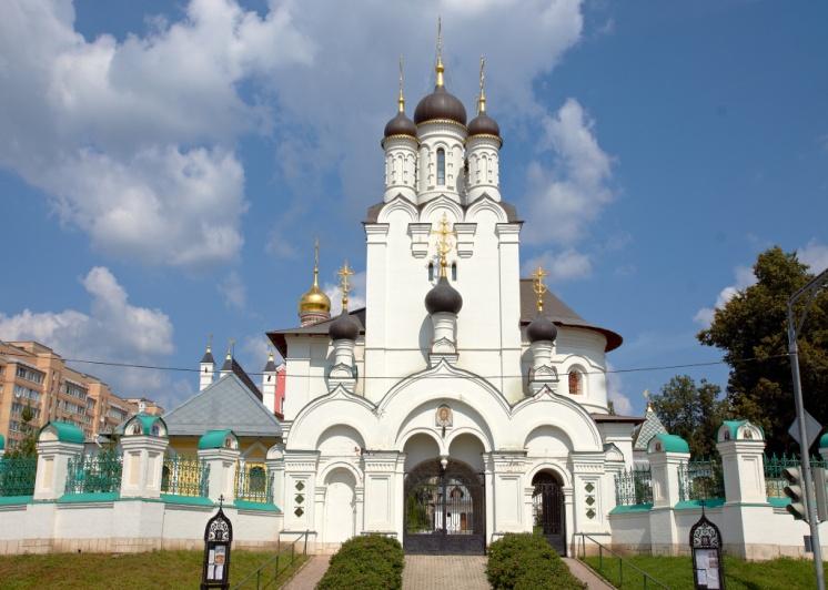Благовещенский Храм в Павловской слободе (Храм 17 века).jpg